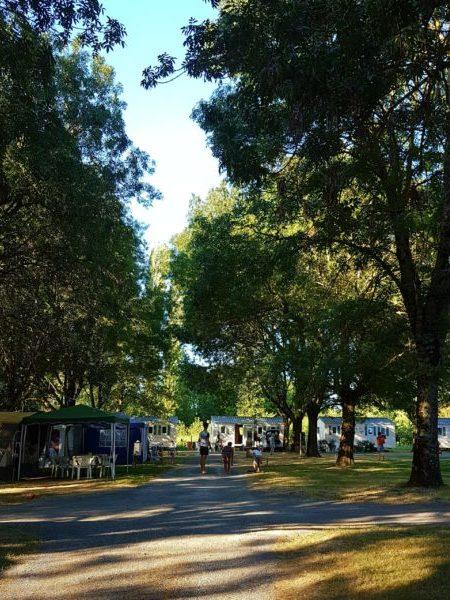 location emplacement pour tente, caravane et mobil home dans camping à proximité de Royan