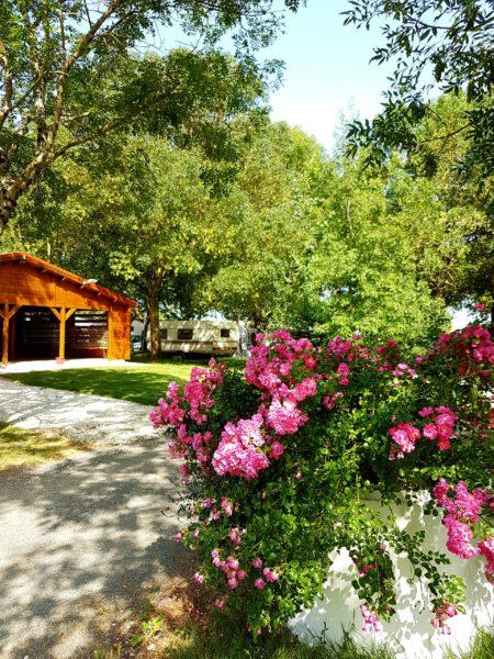 location emplacement pour mobil home, tente et caravane dans camping au calme situé à Arces sur Gironde en Charente Maritime