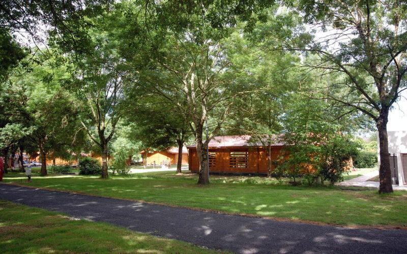 Location bungalow, emplacement tente et caravane à 10 minutes des plages de Meschers
