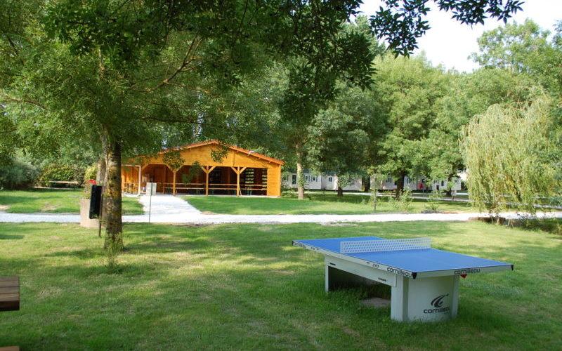 bungalow ou mobil home au camping La Clé des Champs à 10 minutes de Meschers